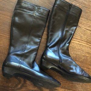 Tahari black Leather Knee high riding boots Sz 6M